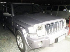 Selling Silver Jeep Commander 2010 at 40681 km