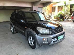 Selling Black Toyota Rav4 2000 in Quezon City