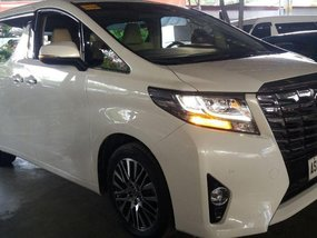 Selling Used Toyota Alphard 2015 in Pasig