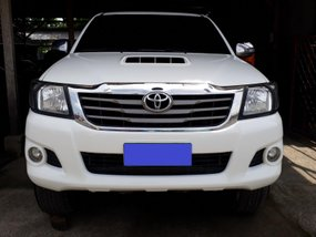 Selling 2nd Hand 2013 Toyota Hilux Manual White