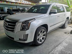 Pearlwhite 2018 Cadillac Escalade Automatic Gasoline for sale
