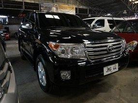 Selling Black Toyota Land Cruiser 2015 at 30000 km in Makati