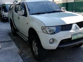 Selling Truck White 2009 Mitsubishi Strada Manual
