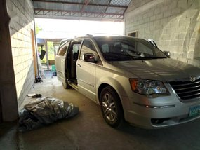 Sell 2nd Hand 2009 Chrysler Town And Country at 70000 km in Norala