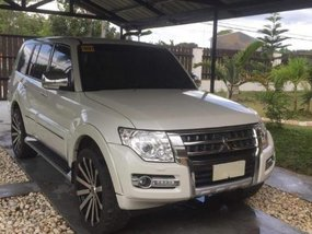 Selling Mitsubishi Pajero 2015 at 30000 km in Manila