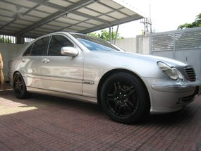 Sell 2nd Hand 2001 Mercedes-Benz C200 Automatic Gasoline at 70000 km in Manila