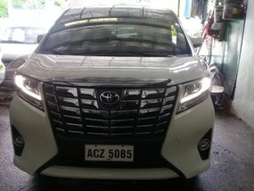 Sell 2nd Hand 2016 Toyota Alphard at 15000 km in Quezon City