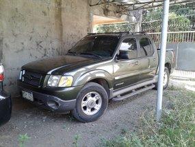 Selling Green Ford Explorer 2001 Truck in Laguna