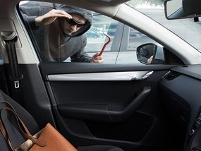 6 items commonly to be stolen from your car
