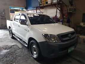 2nd Hand Toyota Hilux 2009 Manual Diesel for sale in Parañaque