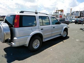 Selling 2nd Hand Ford Everest 2004 in Manila