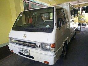 Sell White 2014 Mitsubishi L300 at 45240 km