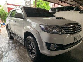Selling White Toyota Fortuner 2016 Manual Diesel in Quezon City