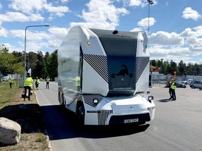 Driverless trucks: Einride T-log & T-pod caught operating in Sweden
