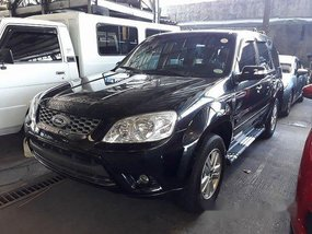 Black Ford Escape 2012 at 21142 km for sale
