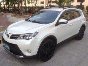 White Toyota Rav4 2013 for sale in Mandaluyong