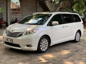 Selling White Toyota Sienna 2014 Van Automatic Gasoline at 24000 km in Quezon City