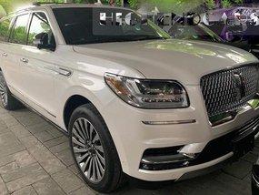 Selling Brand New White 2019 Lincoln Navigator