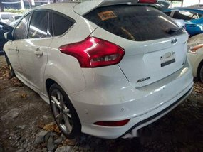 White Ford Focus 2016 at 33000 km for sale in Makati