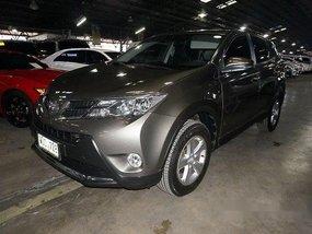 Selling Toyota Rav4 2013 in Makati