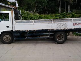 Selling White Isuzu Nhr 2000 Truck Manual Diesel