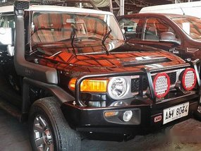 Black Toyota Fj Cruiser 2014 at 38000 km for sale