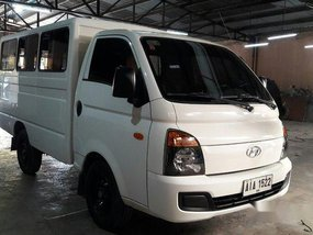 Selling White Hyundai H-100 2014 Manual Diesel in Makati