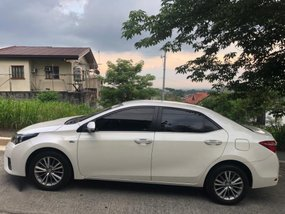 Sell 2nd Hand 2015 Toyota Altis Automatic Gasoline in Taytay