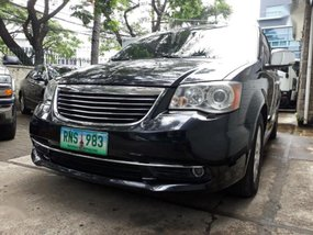 Selling 2nd Hand Chrysler Town And Country 2013 in Makati