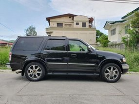 Selling Ford Expedition 2002 Automatic Gasoline in Parañaque