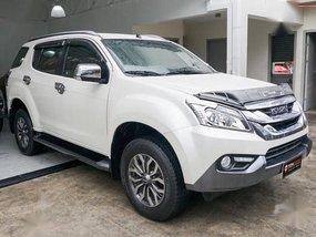 Selling Isuzu Mu-X 2017 Automatic Diesel in Quezon City
