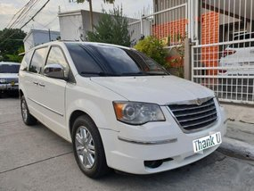 Selling 2nd Hand Chrysler Town And Country 2009 in Muntinlupa
