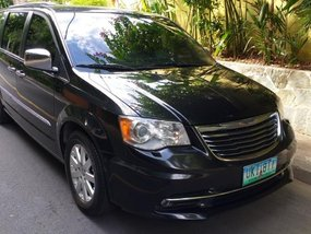 Sell 2nd Hand 2012 Chrysler Town And Country at 28000 km in Pasig