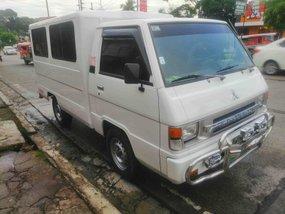 Selling White Mitsubishi L300 2008 Van in Quezon City