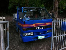 Selling Isuzu Elf 1999 Manual Diesel in Quezon City