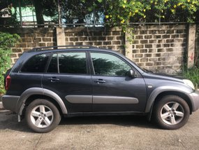 Selling 2nd Hand Toyota Rav 4 2004 in Manila