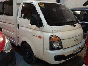 Selling 2nd Hand Hyundai H-100 2016 Van in Quezon City