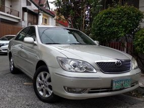 2nd Hand Toyota Camry 2004 Automatic Gasoline for sale in Makati