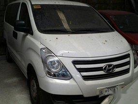 White Hyundai Grand Starex 2017 at 6000 km for sale in Makati