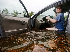 Causes of water-damaged engine and tips to protect your car