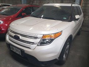 Selling White Ford Explorer 2015 Automatic Gasoline at 70000 km in Makati