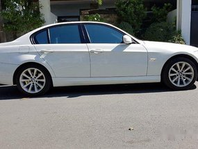 White Bmw 318I 2013 at 49000 km for sale in Parañaque