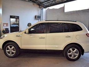 White Hyundai Santa Fe 2010 Automatic Gasoline for sale in Manila
