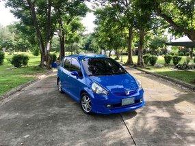 Selling Blue Honda Fit 2001 in Bulacan