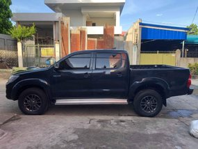 Black 2013 Toyota Hilux Manual Diesel for sale in Isabela