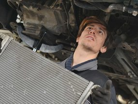 Step-by-step guide to check and replace a failing car radiator