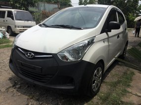 Selling White Hyundai Eon 2016 Hatchback in Lucena