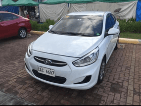 Selling 2nd Hand Hyundai Accent 2017 at 33000 km