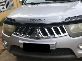 Silver 2007 Mitsubishi Strada at 98000 km for sale