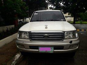 Sell White 2005 Toyota Land Cruiser Automatic Gasoline in Metro Manila